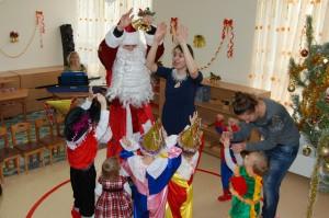 Дед мороз в детском саду монтессори